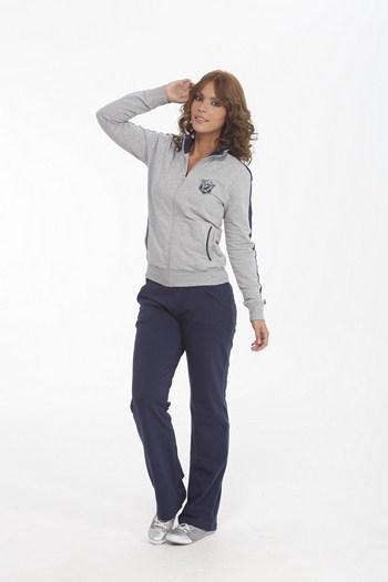 женский спортивный костюм Puma