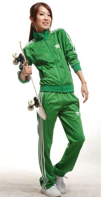 фото зеленых спортивных костюмов