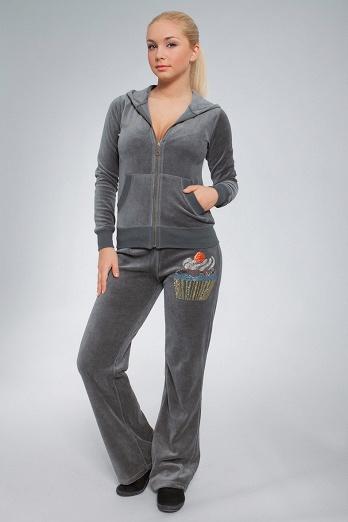 женские модные спортивные костюмы